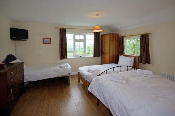 _0003_DC_Bedroom_9_large