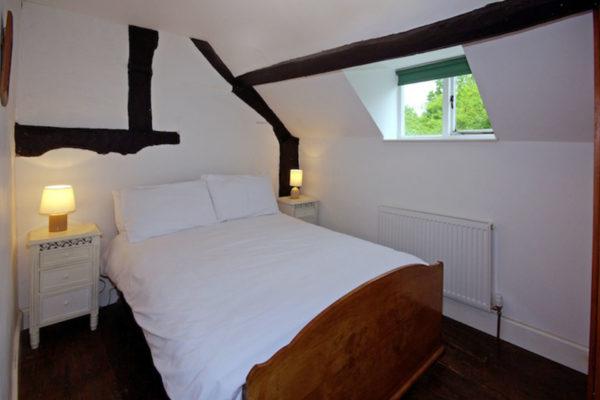 _0003_LCC_Bedroom_5_large