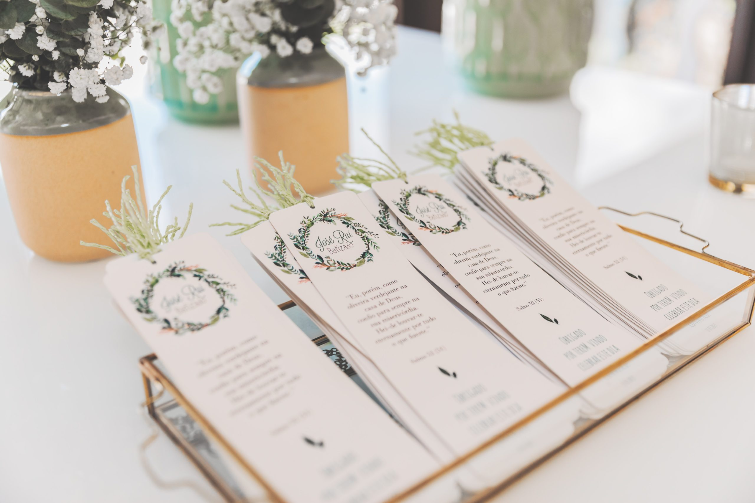 How to make your wedding invitations unique